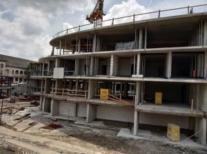 Cédrusliget Lakópark Szeged 2019 Május - Terasz toló ajtó keret A épületben